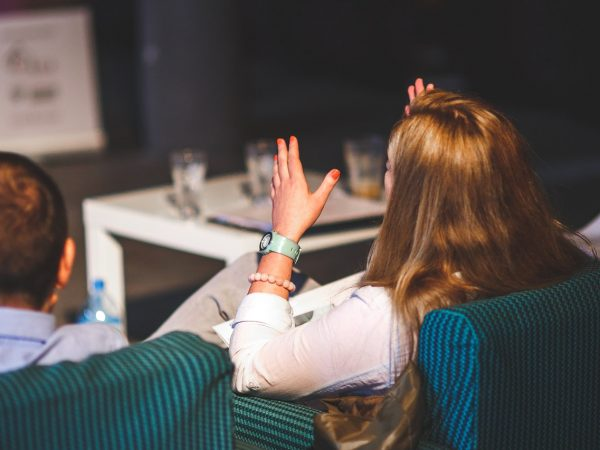Hiệu suất hoạt động bị doanh nghiệp bị ảnh hưởng như thế nào
